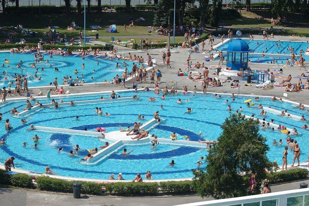 515d7b7046 6 strandfürdő, amit ki kell próbálnod még a nyáron | Termál & Fürdő